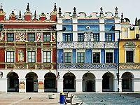 1373874790_Zamosc_kamieniczki_rynek.jpg